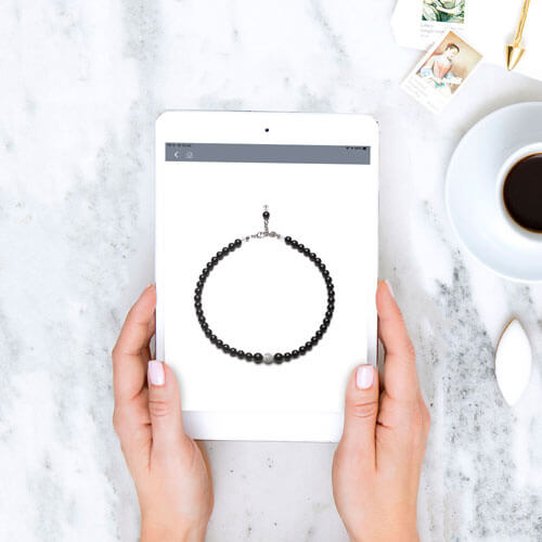 Abrazi necklace sales app